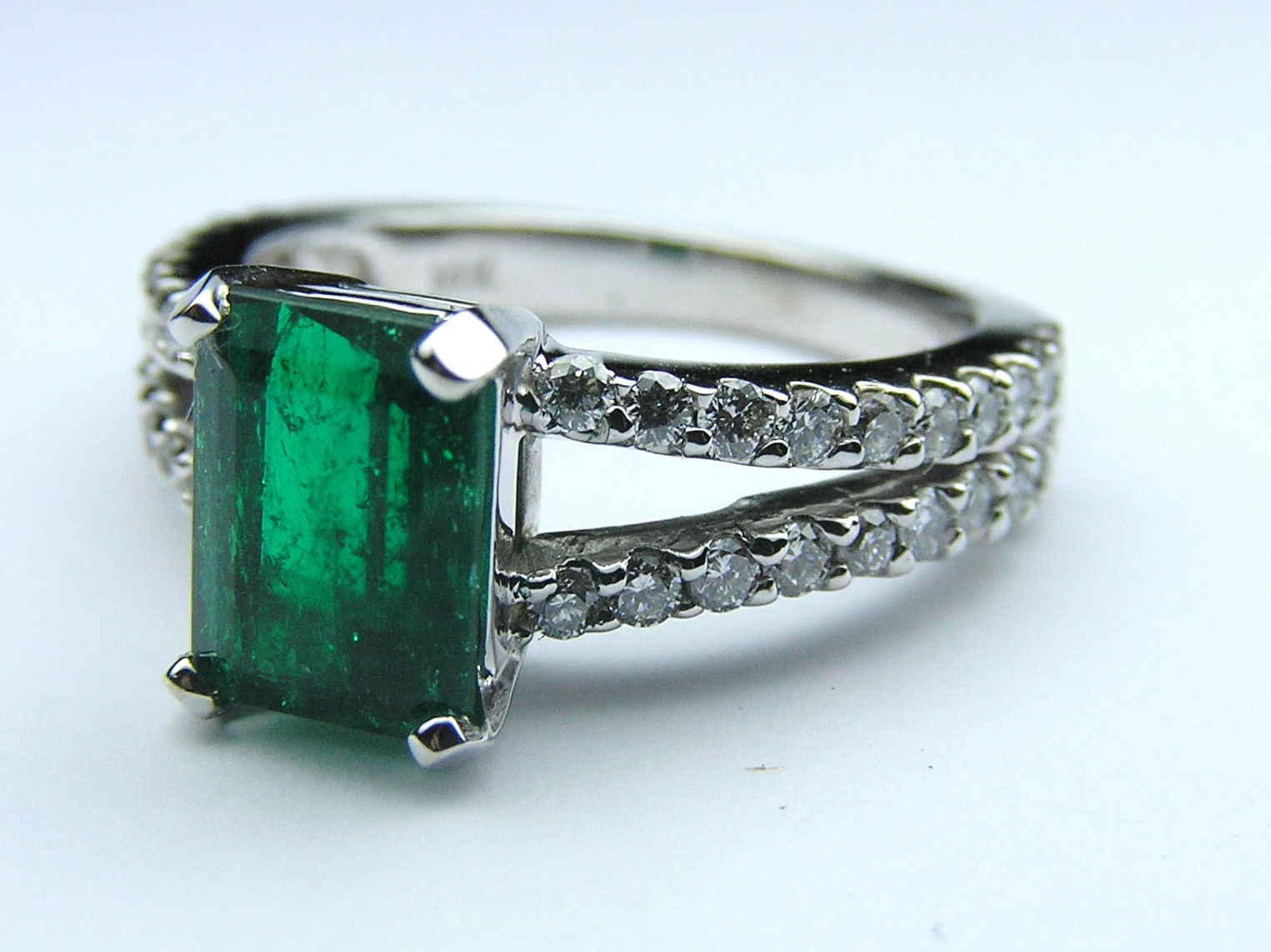 Genuine Green Emerald Gem Stone Diamond Split Band Pave Ring in 14K White Gold