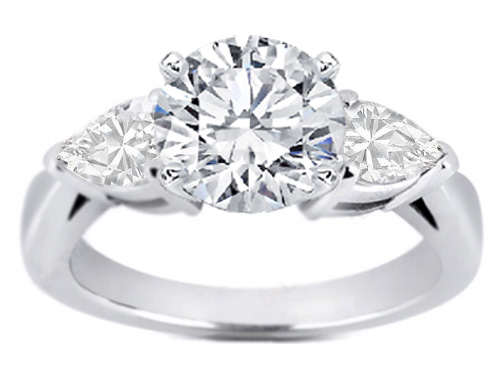 Diamond Engagement Ring Pear-Shape side stone 0.30 tcw.