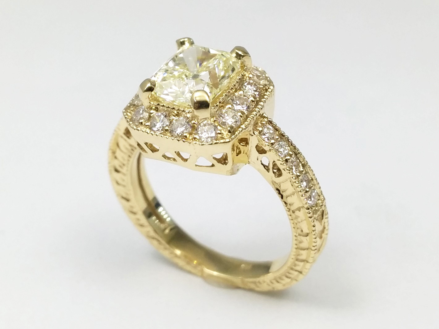 Cushion Diamond Halo Engagement Ring Vintage Style 0.40 tcw. In 14K Yellow Gold