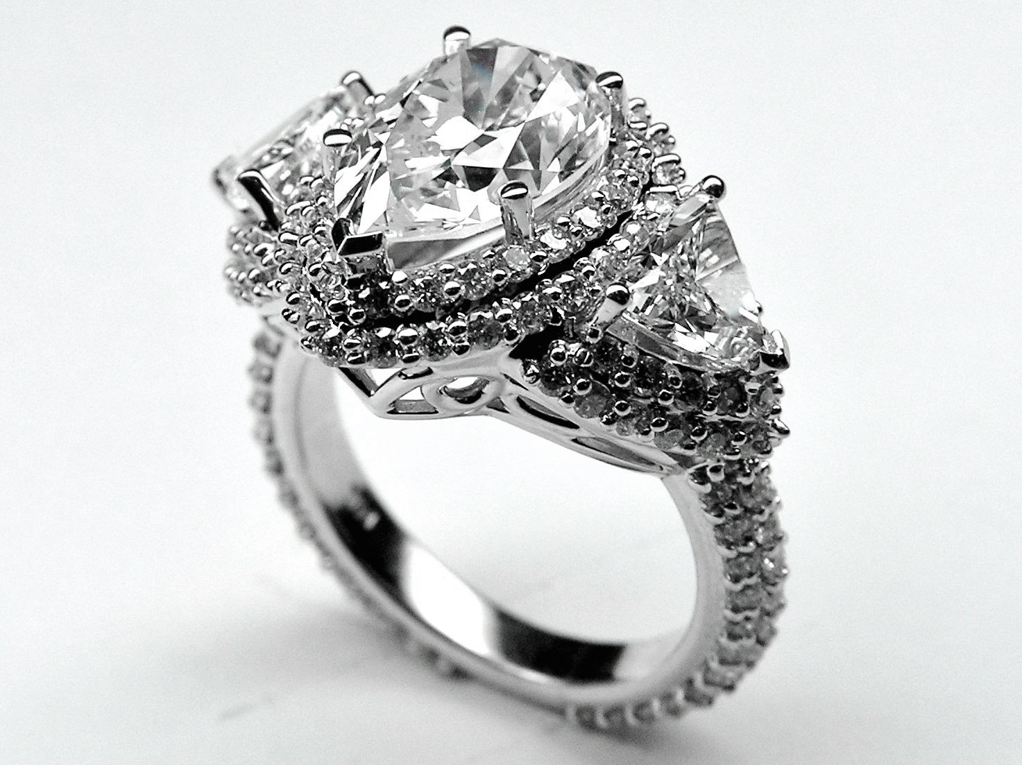 jewellery cut ring settings tapered in setting princess diamond platinum engagement solitaire
