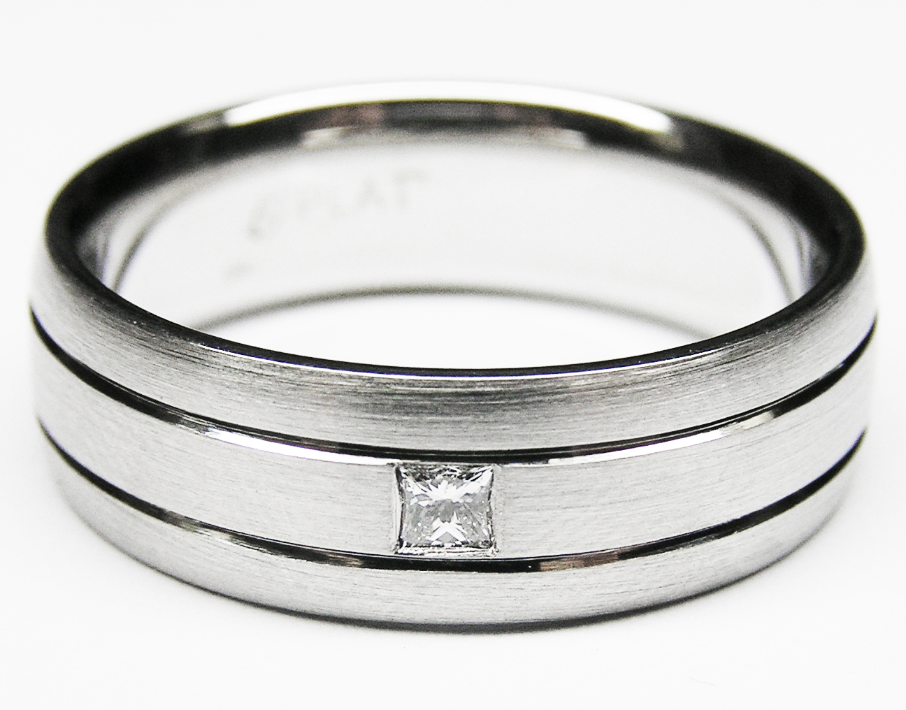 Solitaire Princess cut Men's wedding band Matt finish
